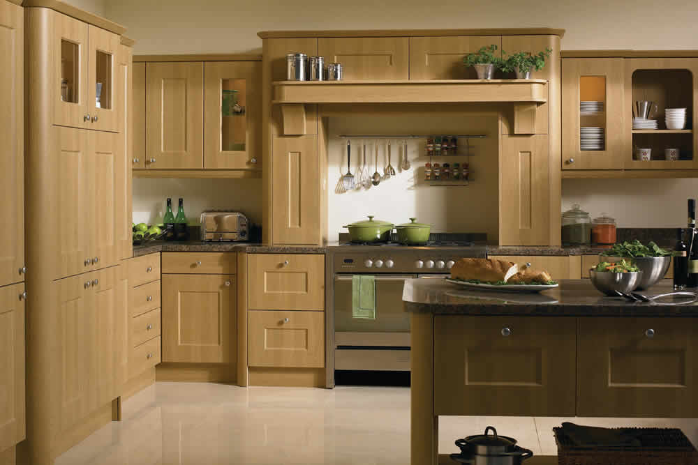 Bella Lissa Oak Cambridge Kitchen