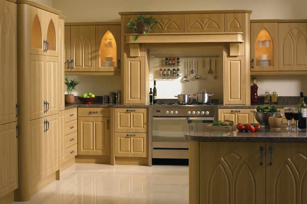 Bella Lissa Oak Gothic Kitchen
